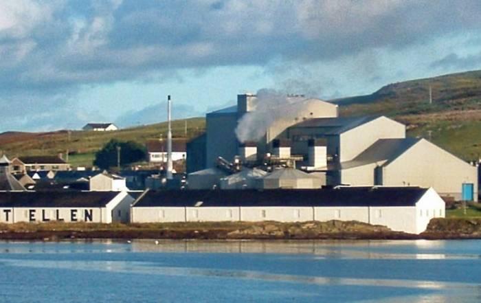 Port Ellen Destillerie und Mälzerei Meeransicht